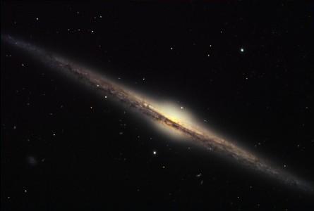 Галактики приняли привычный вид на рассвете Вселенной