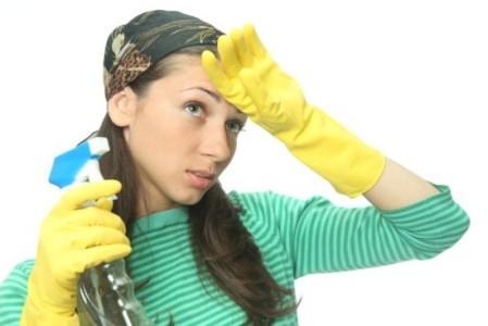 Женщина за домашней работой