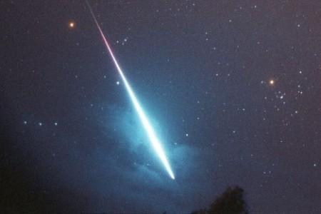 Спутник падает на Землю