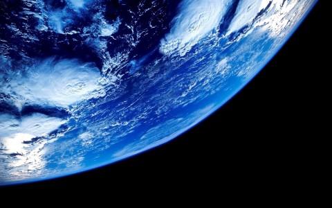 Темная материя все же влияет на Землю