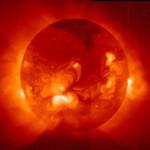 В Солнечных выбросах есть взаимосвязь