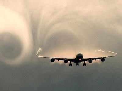турбулентность в полёте самолетов